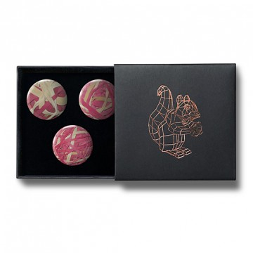 Gift Box: 3 button badges (Rubberband Balls)