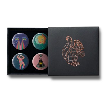 Gift Box: 4 button badges (Surreal Universe)