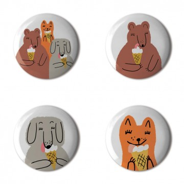 Gift Box: 4 button badges (Friends With Ice Cream)