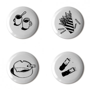 Gift Box: 4 button badges (Cigs & Chips)