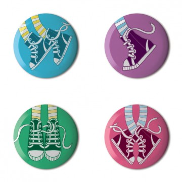 Gift Box: 4 button badges (Trainers)