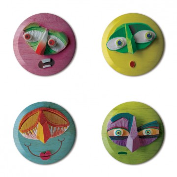 Gift Box: 4 button badges (Wooden Faces)