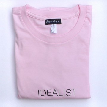 Idealist (unisex) T-shirt + badge