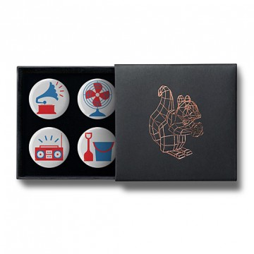 Gift Box: 4 button badges (Red Blue Emoji Mix)