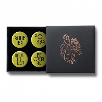 Gift Box: 4 button badges (Empire & Multitude)
