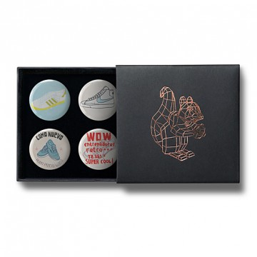 Gift Box: 4 button badges (Rich's AFOMFS)