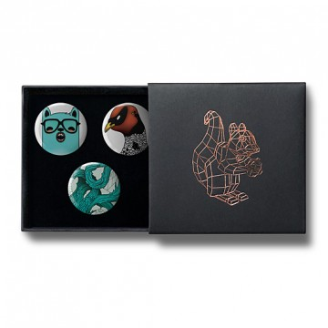 Gift Box: 3 button badges (Mint Red)