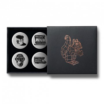 Gift Box: 4 button badges (Paint It Black)