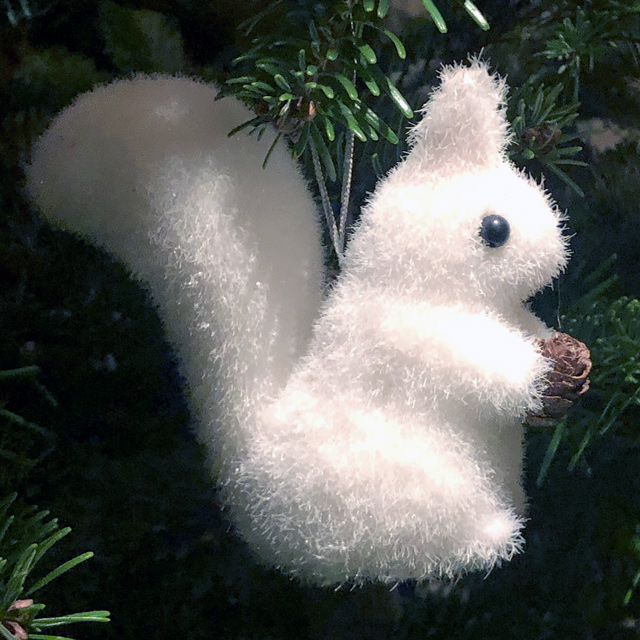 Stereohype Christmas Tree Squirrel